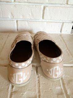 The Happy Homebodies: $10 DIY Painted Shoes [Faux Toms]
