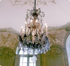 I still find chandeliers for clients in Paris like this one. Leo Dowell Interiors
