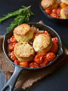 Tomato Cobbler with Rosemary and Gruyere Biscuits - have you ever had a savory cobbler before? This is a one pot meal that's actually really easy to make! #MeatlessMonday #vegetarian