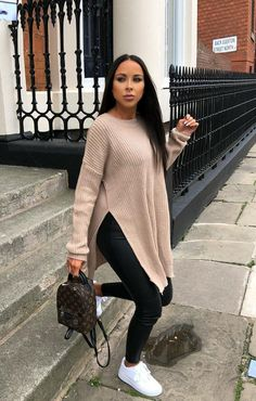 Stone Oversized Split Side Knitted Jumper - Lore Source by size fashion Curvy Outfits, Mode Outfits, Chic Outfits, Trendy Outfits, Fashion Outfits, Fashion Styles, Ladies Fashion, Modest Fashion, Fashion Clothes