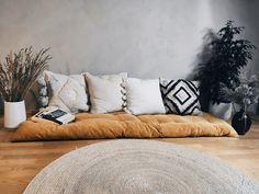 Floor Cushion Couch, Floor Couch, Large Floor Pillows, Cushions On Sofa, Kids Floor Cushions, Daybed Mattress, Mattress On Floor, Japanese Floor Mattress, Rosa Sofa