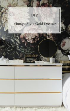 Today I am going to show you I made my new vintage style gold dresser. Je vais vous montrer aujourd'hui comment j'ai fait ma nouvelle commode dorée au style vintage. But before that, I would like to