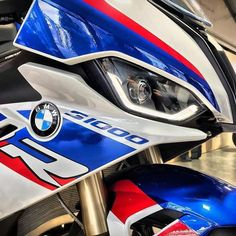 Moto Wallpapers, Kawasaki Bikes, Bmw Motors, Bmw S1000rr, Bmw Motorcycles, Bike Art, Motorcycle Bike, Super Bikes, Bike Accessories
