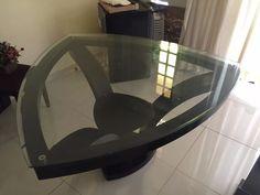 mesa jantar triangular + aparador (sem vidro)