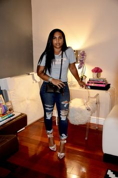 Summer outfits women Distressed denim jeans, Fashion, Denim outfit, Denim jeans, Black fashion - Major Must Haves - Style Casual, Casual Work Outfits, Sexy Outfits, Casual Looks, Cute Outfits, Distressed Denim Jeans, Ripped Jeans, Urban Fashion, Urban