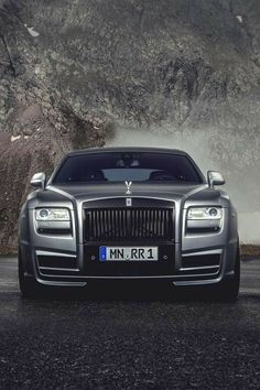 Rolls Royce luxury cars best photos - Page 51 of 100 - luxury-sports-car. Best Picture For cars logo For Your Taste You are looking for somethin Cadillac Fleetwood, Rolls Royce Phantom, Rolls Royce Wallpaper, Best Electric Car, Electric Cars, Rolls Royce Cars, Nissan Gt, Best Luxury Cars, Expensive Cars