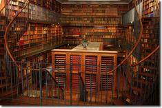 Domaine de Chantilly - Bibliothèque du théâtre