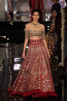 Manish Malhotra at India Couture Week 2016 Manish Malhotra Collection, Lehenga Collection, Indian Bridal Lehenga, Indian Bridal Wear, Shaadi Lehenga, Lakme Fashion Week, India Fashion, Fashion Weeks, London Fashion