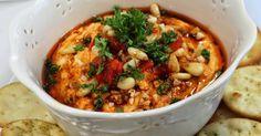 U našoj kući hummus se vrlo često pravi, ukusan je, lako se napravi i veoma brzo pojede. Nekada ga jedemo sa povrćem, nekada sa krekerima ...
