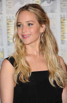 Jennifer Lawrence at the Hunger Games: Mockingjay Part 2 Presentation at Comic Con, San Diego (2015)