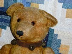' ANTIQUE SLEIGH BELL TEDDY BEAR COLLAR