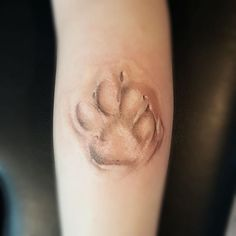 47 Tiny Paw Print Tattoos For Cat And Dog Lovers - lynx pawprint tattoo - Tatoo Dog, Dog Tattoos, Animal Tattoos, Body Art Tattoos, Small Tattoos, Tatoos, Cat Paw Print Tattoo, Dog Pawprint Tattoo, Tattoo Ink