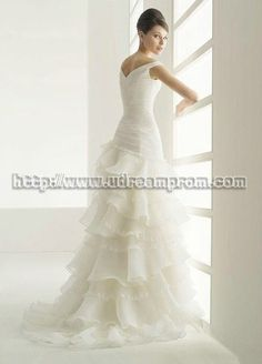 gorgeous dress, too bad you cant see the front