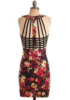 I'm not a huge fan of 80s florals, but I'd be willing to accept it for the awesomness of this back!
