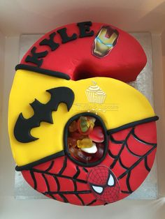 Number 6 superhero cake Baby Boy Birthday Cake, 6th Birthday Cakes, 6th Birthday Parties, Fondant Numbers, Avenger Cake, Avengers Birthday, Superhero Cake, Number Cakes, Food Themes