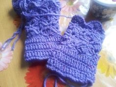 pruple shell wrist warmer Wrist Warmers, Fingerless Gloves, Shell, Crochet, Fingerless Mitts, Wristlets, Fingerless Mittens, Chrochet, Crocheting