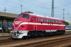 MAV weilte für Schiebedienste im Bahnhof Nyiregyhaza, Mai Diesel, Old Steam Train, Train Journey, Beauty, Trains, Paths, Locomotive, Model Train, Motor Car