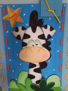 libretas decoradas con animalitos de foami - Buscar con Google Kids Crafts, Foam Crafts, Paper Crafts, Painting Kids Furniture, Painting For Kids, Mickey E Minie, Notebook Covers, Preschool Themes, Box Design