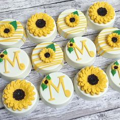 Sunflower Babyshower🌻 cake by photography by Sunflower Cupcakes, Sunflower Party, Ladybug Cupcakes, Sunflower Baby Showers, Mini Cupcakes, Cupcake Cakes, Chocolate Covered Oreos, Chocolate Covered Strawberries, Chocolate Truffles