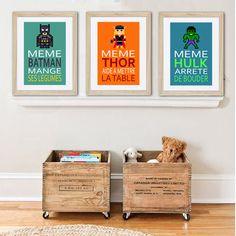 3 affiches superhéros avec citation humoristique par alexiableu posters et caisses à roulettes