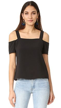 1ebcb5d027106 Description  Measure segment  A worldly-wise Cooper   Ella blouse titled  with indents at the shoulders and shift.
