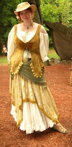 that is such a cute outfit! I like the trim on the bodice