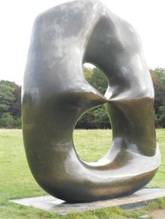 Oval with Points - Henry Moore