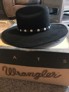 Vintage Wrangler Cowboy Hat Sheepskin Leather In Box 7 1 8 With Tags   fashion 9639ca5101a3