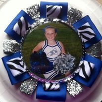 Photo Buttons, Diy Buttons, Cheer Spirit, Homecoming Mums, Softball Mom, Photo Pin, School Spirit, Ribbons, Cheerleading