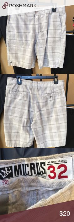 Micros Plaid Shorts In excellent condition.  Men's waist size 32 Micros Shorts
