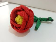Paracord flower made by everaert kris