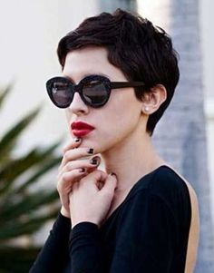 Looking for latest pixie hairstyles for black hair color? Here we have gathered images of Pixie Haircut for Black Hair that you will like! One thing for. Medium Short Hair, Short Hair Cuts, Medium Hair Styles, Curly Hair Styles, Short Pixie, Curly Short, Brown Pixie Cut, Shaggy Pixie, Pixie Crop
