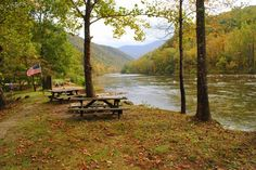 Go rafting/kayaking with USA Raft Nolichucky in East Tennessee! Afterwards, have yourself a nice little picnic overlooking the Nolichucky River! www.myusaraft.com