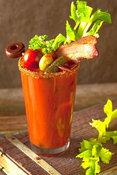 This classic Bloody Mary recipe probably dates back to the Ever since then, bartenders have been working to improve this delicious drink. Mixed Drinks Alcohol, Drinks Alcohol Recipes, Yummy Drinks, Mix Drinks, Vodka Drinks, Cocktail Recipes, Drink Recipes, Beverages, Vodka And Pineapple Juice