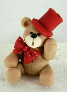 teddy bear by jodie Cute Polymer Clay, Polymer Clay Projects, Cute Clay, Fondant Figures Tutorial, Cake Topper Tutorial, Clay Bear, Teddy Bear Cakes, Teddy Bears, Cake Models