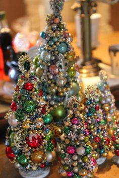 "Miniature Trees made from old jewelry, mini ornaments, & ""do-dads"" - Beautiful! - Romancing the Home Miniature Trees made from old jewelry, mini ornaments, & do-dads - Beautiful! - Romancing the Home Jewelry Christmas Tree, Jewelry Tree, Noel Christmas, Christmas Projects, Winter Christmas, Christmas Tree Decorations, Holiday Crafts, Vintage Christmas, Christmas Ornaments"