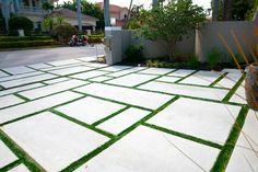 29 New Ideas Backyard Grass Landscaping Concrete Pavers Backyard landscaping concrete pavers Large Backyard Landscaping, Driveway Landscaping, Backyard Patio Designs, Modern Landscaping, Driveway Ideas, Grass Driveway Pavers, Landscaping Melbourne, Modern Backyard, Yard Design