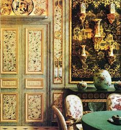 chinoiserie paneled walls