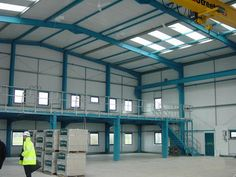 Pre Engineering building & Industrial Shed Steel Structure Buildings, Building Structure, Steel Building Homes, Building A House, Metal Carport Kits, Pre Engineered Metal Buildings, Front Wall Design, Civil Engineering Construction, Factory Architecture