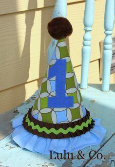 chocolate brown, blue & lime green Lulu & Co. hat
