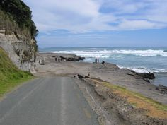 https://flic.kr/p/4eyKXc | Muriwai, but not the end of the road. March 2005.