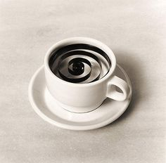 This amazingly creative photos are product of Spanish photographer called Chema Madoz. Jose Maria Rodriguez Madoz (born better known as Chema Object Photography, Abstract Photography, Creative Photography, Product Photography, White Photography, Black White Art, Black N White Images, Olive Oil Brands, Poesia Visual