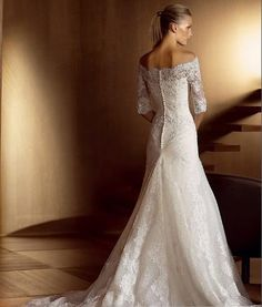 love love love! still on the lookout for lacy dresses with long sleeves :)