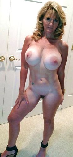 Really exclusive milf pictures here only-2479