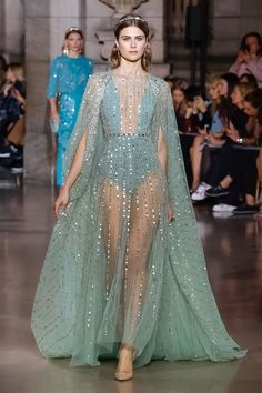 Georges Hobeika Fashion Show Couture Collection Spring Summer 2018 in Paris Style Haute Couture, Haute Couture Dresses, Couture Mode, Couture Fashion, Runway Fashion, Spring Couture, Live Fashion, Fashion Week, Fashion Show