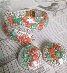 Vintage Peach and Green Lucite Confetti and by BirdyBlueVintage