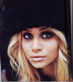 Ashely Olsen. Smokey eye... i want an eyeshadow like that for the holidays :)