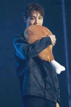 Kai eating his meat plushie thing. Baekhyun Chanyeol, Kris Wu, K Pop, Kim Kai, Rapper, Park Hyung, Kim Jong Dae, Xiuchen, Exo Korean