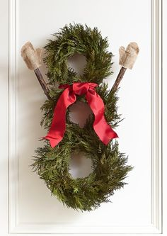 Cute Snowman with Burlap Mittens Wreath http://rstyle.me/n/cxs4gbh9c7