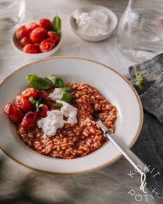 Tomaattirisotto valmistuu puolessa tunnissa muutamasta raaka-aineesta